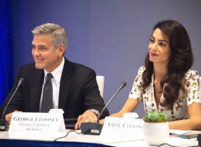 Actor George Clooney (L) and his wife Amal Alamuddin Clooney attend the CEO Roundtable on the sidelines of the 71st session of the United Nations General Assembly in New York on September 20, 2016 in New York. / AFP / JIM WATSON        (Photo credit should read JIM WATSON/AFP/Getty Images)